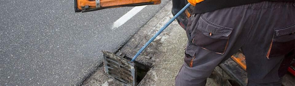 Riool Service Schaap bezig met rioolreiniging